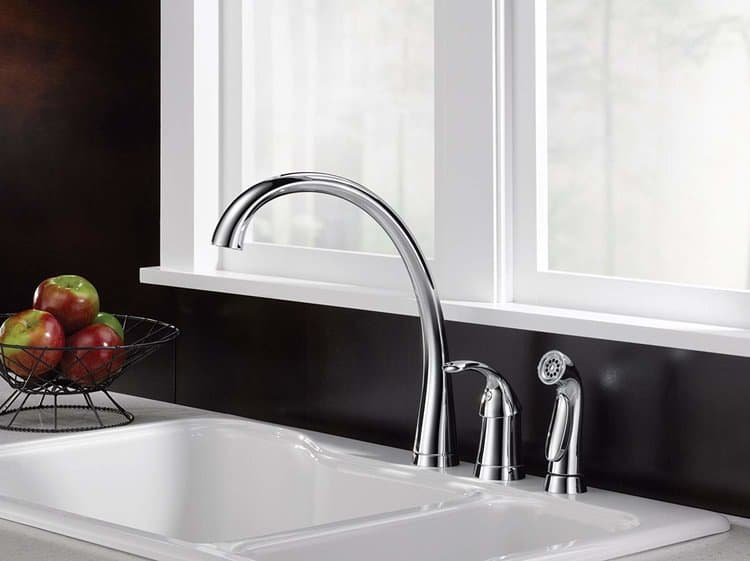 Best Delta Kitchen Faucets Review of 2020 - myclassykitchen