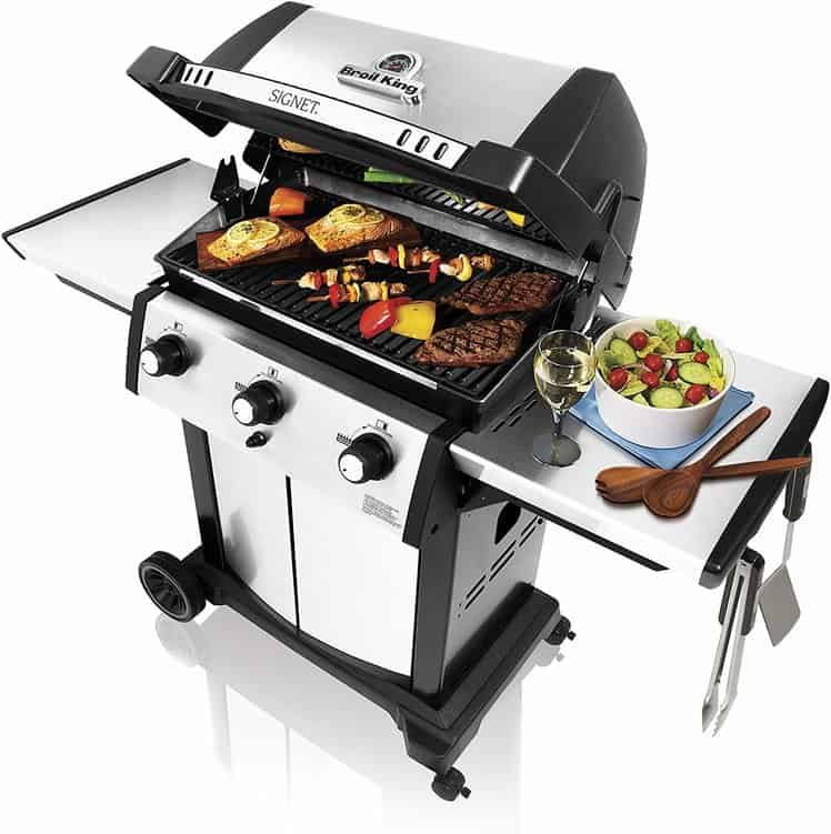 Broil King Signet 320 Cast-Aluminum 3 Burner Natural Gas Grill
